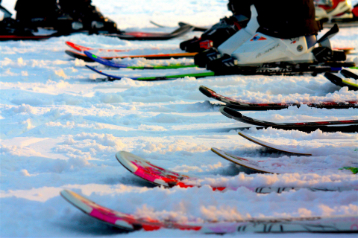 do you need to wax new skis