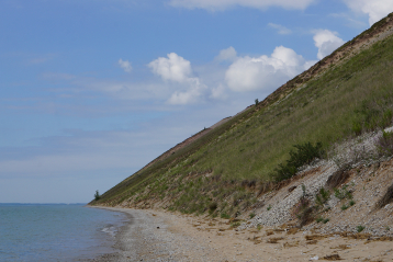 hiking at sleeping bear dunes