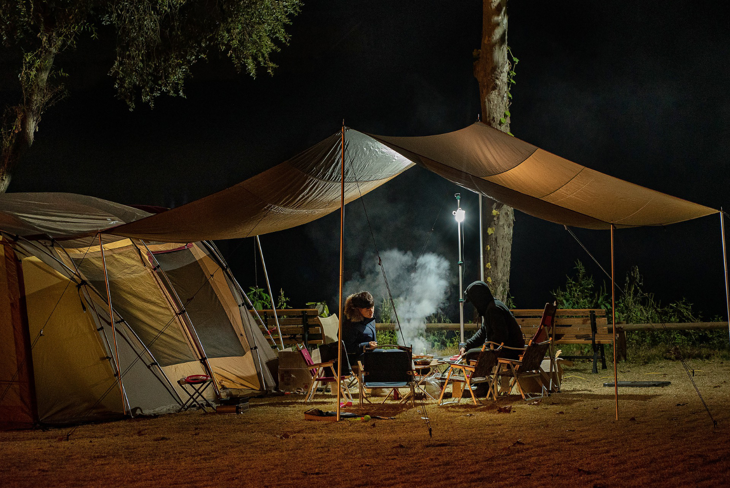 tent camping in cold weather at night
