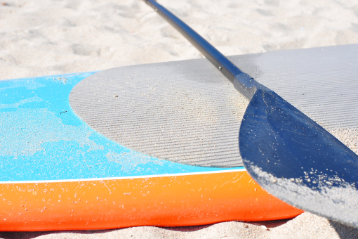 how to clean a paddle board