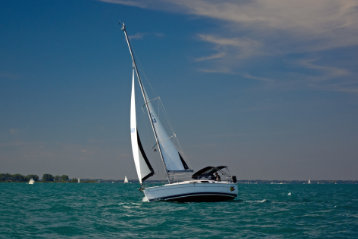 how much does a small sailboat cost